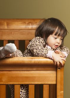 When to transition a toddler from a crib to a bed - and some tips to make it happen smoothly...did I just use smoothly and toddler in the same sentence?