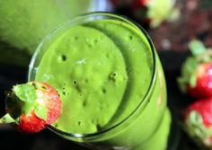 Healthy Smoothies For Weight Loss, Benefits And Recipe Beverages with fresh orange, strawberries, celery, ice Apple Smoothies, Green Smoothie Recipes, Strawberry Smoothie, Smoothie Diet, Healthy Smoothies, Mocha Smoothie, Healthy Food, Healthy Eating, Yummy Food