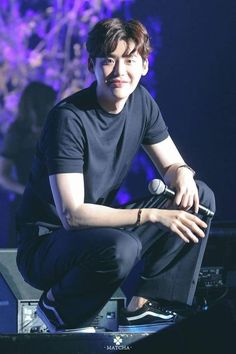 You look good always ❤ Lee jong suk. Lee Jong Suk Cute, Lee Jung Suk, Suwon, Asian Actors, Korean Actors, Lee Jong Suk Wallpaper, Soon Joong Ki, W Two Worlds, Han Hyo Joo