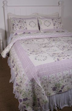 Spring Patchwork Pink Roses Shabby F Queen Quilt Shams Set 100 Cotton Simply Shabby Chic, Shabby Chic Pink, Shabby Chic Bedrooms, Shabby Chic Homes, King Quilt Sets, Queen Quilt, William Morris, Brick Patterns Patio, Home Accessories