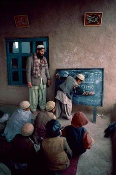 Les droits de l'enfant - Capuchon à l'école