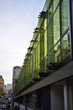 Façade en Verre feuilleté avec insertion image Laminated Glass frontage with digital print