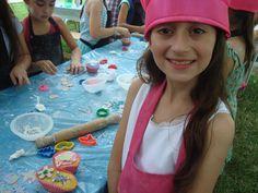 Cumpleaños infantiles de cocina en vivo. hacemos una receta en el momento, la cocinamos, la decoramos y se la llevan de souvenir. Ideal todas las edades, nenas o nenes! Prendé el horno y olvidate del clima!