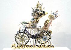 """""""A bicyclette"""", Olivier Sultan, 2015. Assemblage d'objets divers. En vente dans notre rubrique Store."""