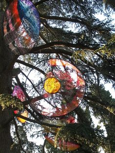 """Edith-Meusnier-suite-lunatique-detail-01.jpg  """"The first """"Landscapes of Artifice"""" date back to 1996. Since then, I make in my garden and flexible modular structures I exposed to the weather, before transposing and transform them through ephemeral installations."""""""