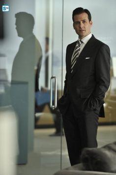 ca0afcc3ca6 Gabriel Macht as Harvey Specter Cosas De Hombre, Moda Hombre, Estilo De  Hombre,