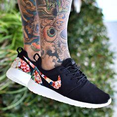 Nike roshe floral print
