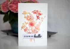 Für die Karte habe ich Aquarellpapier mit Aquarellfarbe kreuz und quer bepinselt und nach dem Trocknen daraus Wildflowers von Sizzix/Tim Holtz ausgestanzt - von: scrap impulse -