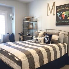 Our zipper bedding is perfect for every type of bed! I love how @coastaldesignhouse combined our Game On Gray with a navy bedskirt. Our customers are talented decorators!! #ZipYourBed #Beddys #ZipperBedding