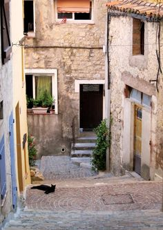 old town of Fayence, South France Coin, Old Town, Interior Decorating, France, Culture, Doors, Travel, Design, Old City