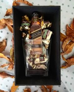 Gift Box For Men, Diy Gift Box, Bf Gifts, Wine Gifts, Creative Gifts For Boyfriend, Boyfriend Gifts, Diy Christmas Gifts, Holiday Gifts, Flower Box Gift