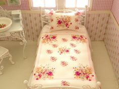 1/12 scale bed sheetsbed linen by Mondinadollhouse on Etsy