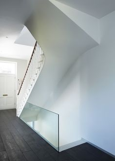 Alison Brooks Architects has extended a nineteenth century house in north London with two tapered volumes that project into the garden. The first volume wraps around the brick walls at the side and rear of the house t. Interior Architecture, Interior And Exterior, Interior Design, Angular Architecture, Alison Brooks, House Stairs, House Extensions, Contemporary Interior, Contemporary Stairs