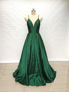 57817891d82 Spaghetti Straps Emerald Green Taffeta Long Prom Dress 2018