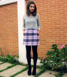 Striped blouse with transparency and purple plaid skirt #ootd #outfit - Look com blusa listrada com transparência e saia zadrez roxa, com meia calça!