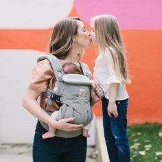 Omni 360 is the baby carrier with all the positions you can use from newborn to toddler, no insert needed. When you need all the options. Ergonomic Baby Carrier, Best Baby Carrier, Bed Wetting, Preparing For Baby, Baby Kind, Pearl Grey, First Baby, Baby Registry, Baby Grows