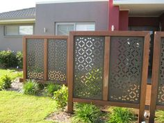 Front yard landscaping decoration ideas with landscape privacy screen design ideas for cheap outdoor home decoration