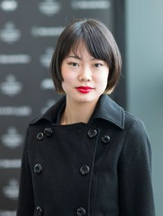 35 Flattering Hairstyles for Round Faces: You Can Wear a Classic Bob