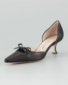 Kastrudo Bow d'Orsay by Manolo Blahnik at Neiman Marcus. <3 pointed toe and kitten heels
