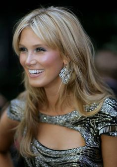 Delta Goodrem Hairstyles Gallery