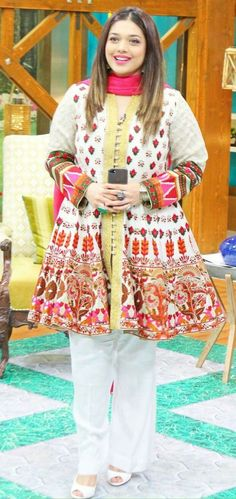 Pakistani Party Dresses and Frock Designs white peplum design Pakistani Frocks, Pakistani Party Wear Dresses, Simple Pakistani Dresses, Pakistani Fashion Casual, Pakistani Dress Design, Pakistani Outfits, Party Dresses, Shadi Dresses, Pakistani Actress