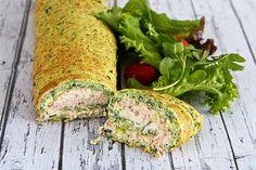 Deze rol van Shades of Cinnamon maken we van spinazie en meel. Vervolgensvul je die 'pannenkoek'met tonijnsalade die je zelf vers maakt. Claartje liet eerder zien hoe ze tonijnsalade maakt, dit recept...