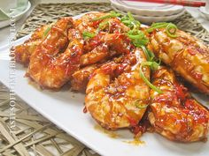 Sweet & Sour Prawns via smokywok.com ... Might change a few things but I love the concept of this recipe!