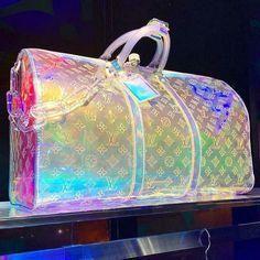 Louis Vuitton Keepall, Louis Vuitton Duffle Bag, Pochette Louis Vuitton, Vuitton Bag, Louis Vuitton Handbags, Purses And Handbags, Luxury Purses, Luxury Bags, Bag Essentials