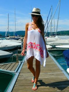 Lovely Holiday Looks Outfits For Women (31)