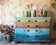 Tutorial for Painting Furniture - DIY Tutorial Furniture Painting - How to Paint Furniture Tutorial - Furniture Painting Tutorial Video Hand Painted Furniture, Funky Furniture, Refurbished Furniture, Paint Furniture, Repurposed Furniture, Shabby Chic Furniture, Rustic Furniture, Furniture Makeover, Antique Furniture