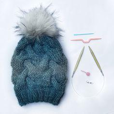 Salacia Beanie by Emily Marie Davies Free Crochet, Knit Crochet, Crochet Hats, Yarn Projects, Crochet Projects, Knitting Patterns, Crochet Patterns, Knitting Ideas, Beanie Pattern