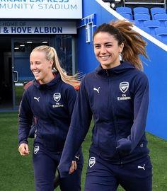 Women's Football, Arsenal Football, Arsenal Fc, Football Players, Arsenal Women, Soccer Girls, Soccer Training, Mead, Psg