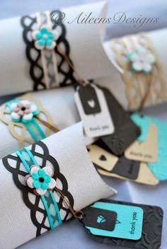 Tubos de papel decorados