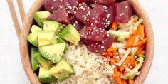 thon rouge cru mariné dans de la sauce soja. + avocat, algues,  noix de cajou ou de macadamia, oignons émincés, mangues fraiches, gingembre et du riz,