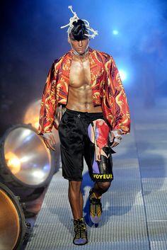 John Galliano Fall 2010 Menswear Fashion Show