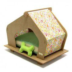A casinha de cachorro pequeno, médio ou grande! Escolha entre os tamanhos e compre aqui a Casinha de Madeira para seu pet. Em até 6x sem juros! Aproveite já.