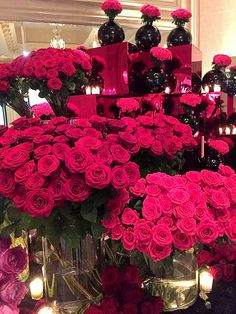 Unbelievable red roses by Jeff Leatham #georgev @fsparis