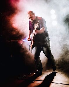 Noiseless #live @ st so #livemusic#music#lille#igerslille#igersfrance#piclille#hautsdefrance#hautsdefrance_inlive#guitar#guitarist#shadow#nikonfr#sigmaphotofr#unpointquatre#50mmart#d750#guitarplayer#lillemaville#picoftheday#flashback#lightroom#lutifyme