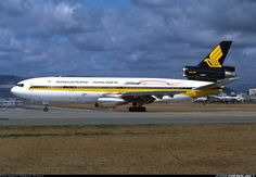 Singapore Airlines 9V-SDB McDonnell Douglas DC-10-30 aircraft picture