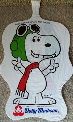 1970s SNOOPY (Peanuts) Dolly Madison blow-up pillow premium | Flickr - Photo Sharing!