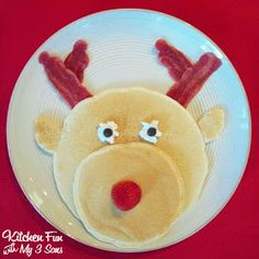 Rudolph Pancakes for a fun & easy breakfast to make the kids on Christmas morning!