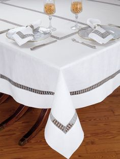 Atelier Table - Fine - A great conversation piece for your guests, unique inserts of Grey lace with the look of macramé are beautifully presented on crisp White Italian linen. Made in Italy for your entertaining pleasure, these fascinating t Blue Christmas Decor, Drawn Thread, Hardanger Embroidery, White Home Decor, Table Covers, Natural Linen, Table Linens, Metal Signs, Metal Wall Art