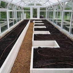 Backyard Greenhouse, Greenhouse Plans, Backyard Landscaping, Veg Garden, Vegetable Garden Design, Garden Bar, Easy Garden, Vegetable Gardening, Farm Gardens