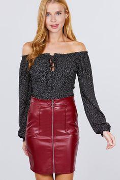 PU LEATHER MINI SKIRT w/ZIPPER 100% Polyester / 50% Pu Leather Wine Red split Vegan Leather, Pu Leather, Women Lifestyle, Mini Shorts, Leather Mini Skirts, Complete Outfits, Skirt Outfits, Latest Fashion Trends, Womens Fashion