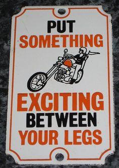 "Consejo del dia: ""Pon algo emocionante entre tus piernas"" ✌️ Today's advice heheh  #BikerWednesday #MiercolesBiker #Biker #BikerCulture #DisturbedCulture #DisturbedTendencies"