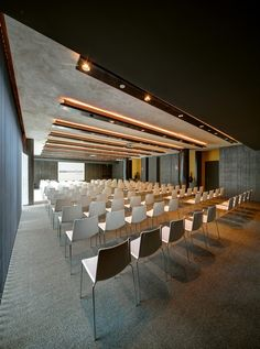 Gallery of Olivia Balmes Hotel / Álex Ibáñez Walter, Sara Galmán Gracia – 9 – Valerie Valentine – Audioroom Hotel Conference Rooms, Conference Room Design, Conference Meeting, Auditorium Design, Meeting Hall, Hotel Meeting, Hall Interior Design, Hall Design, Corporate Interiors