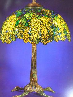 ティファニーランプ、キングサリのランプ