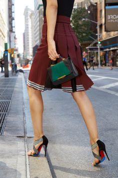 Pin for Later: 17 Règles Que Toutes les Fashionistas Connaissent Sur le Bout des Doigts Porter des Chaussures Qui Font Mal aux Pieds Juste Parce Qu'elles sont Cool N'est Jamais une Bonne Idée
