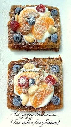 Sweet Revolutions: Fit banana waffles (no sugar, no gluten) - Fit Healthy Sweets, Healthy Snacks, Healthy Recipes, Sin Gluten, Gluten Free Desserts, Dessert Recipes, Banana Waffles, Good Food, Yummy Food