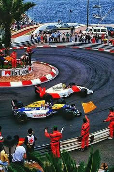 Ayrton Senna & Nigel Mansell at the Monaco Grand Prix 1991 Motogp, Nigel Mansell, Up Auto, Mercedes Auto, Gp F1, Course Automobile, Honda, Gilles Villeneuve, Formula 1 Car